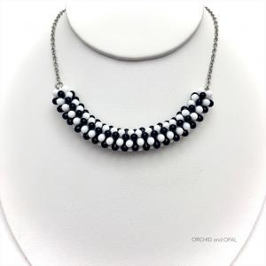 beaded wreath necklace, black and white